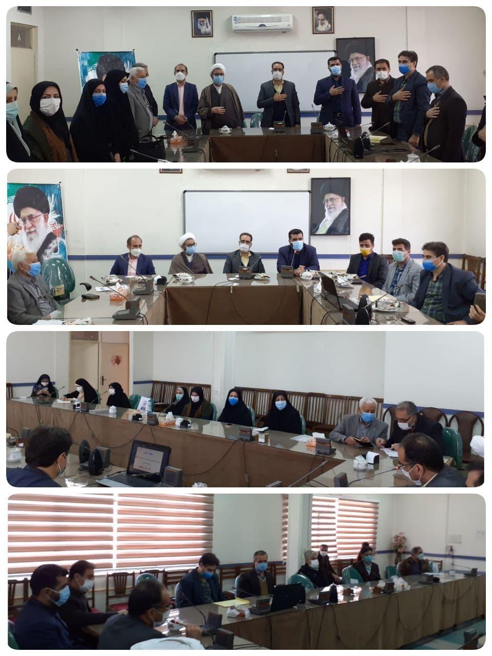 مراسم تجلیل از فرهنگیان فعال شهرستان آبیک در اجرای پویش سراسری لبخند رضایت