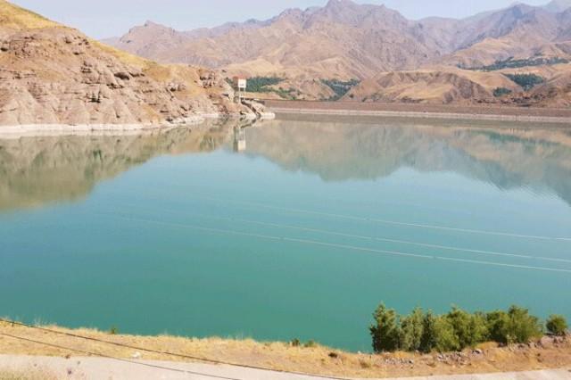 تامین آب شرب آبیک از مهمترین پروژههای سال جاری است